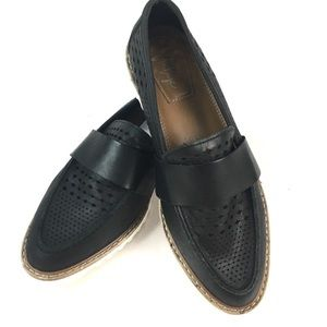 CROWN VINTAGE MIAA SLIP ON LOAFERS BLACK 6.5